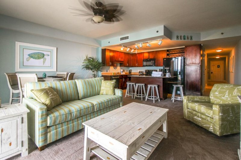 Waterfront condo w/private beach access & resort pools, hot tub, gym, dock, more - Image 1 - Panama City Beach - rentals