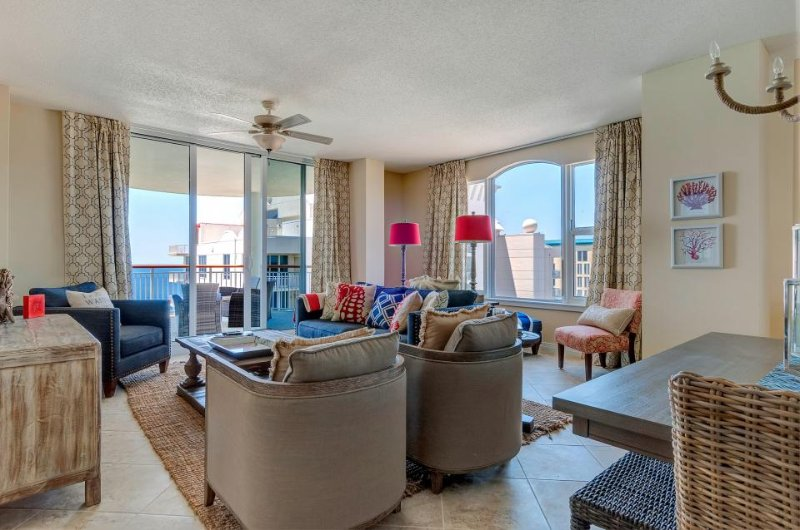 Oceanfront penthouse w/ incredible views, new furnishings, shared pool & more - Image 1 - Navarre Beach - rentals