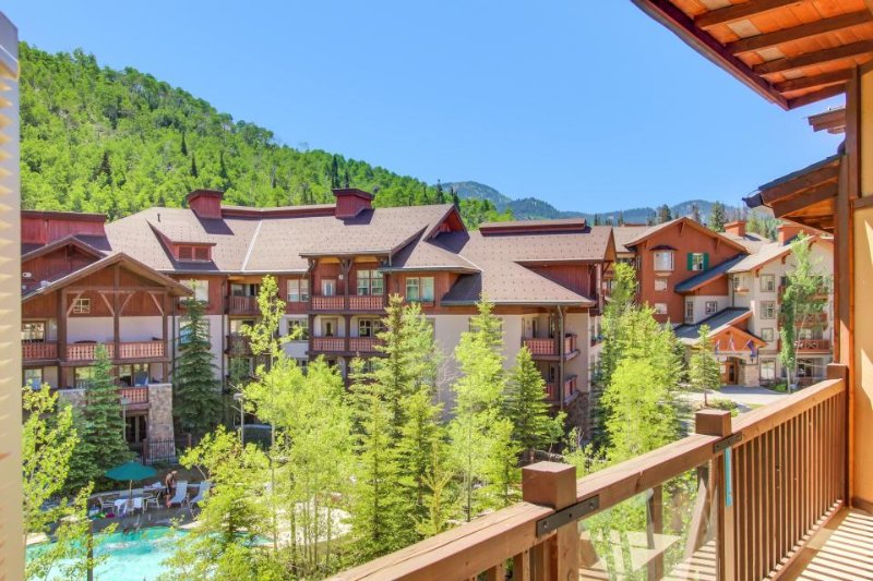 Custom condo w/ ski-in/ski-out access, shared hot tub, pool & more! - Image 1 - Solitude - rentals