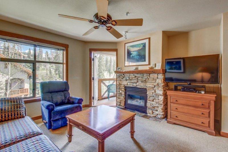 Ski-in/ski-out condo w/community hot tub & Club Solitude access - pools, etc! - Image 1 - Solitude - rentals