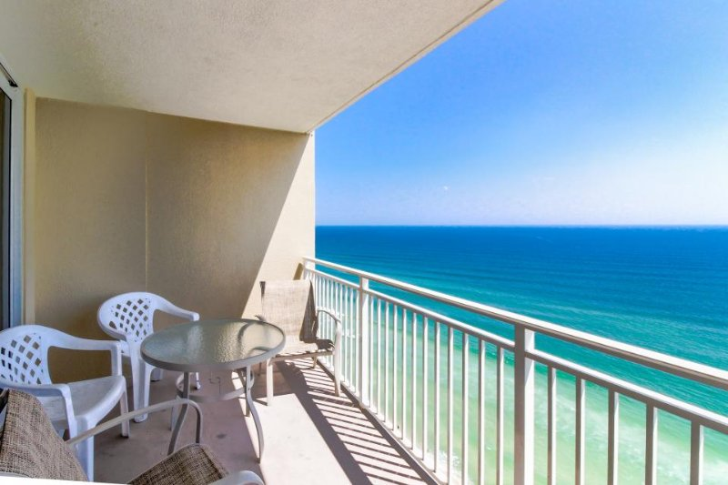 Oceanfront condo w/ shared pool & hot tub -walk to beach at Pier Park! - Image 1 - Panama City Beach - rentals