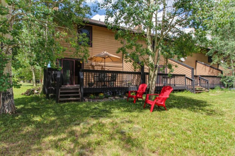 Mountain retreat w/private deck, yard & close to Frisco Marina! - Image 1 - Frisco - rentals