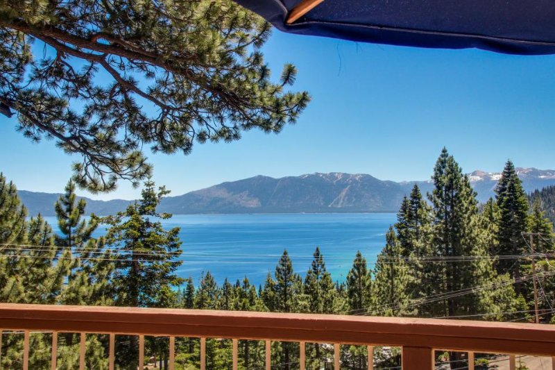Luxurious cabin w/ gorgeous lake views, deck, & easy beach access! - Image 1 - Tahoma - rentals
