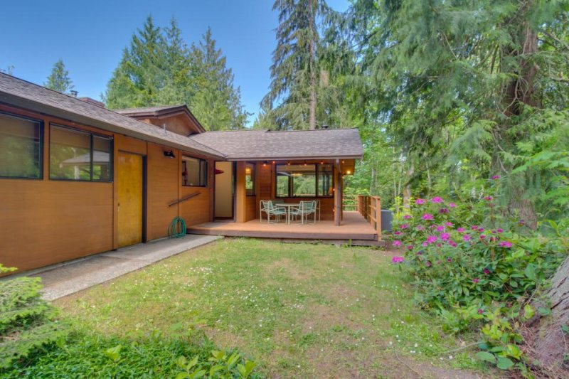 Northwest Art and stylish comfort nestled among the trees! - Image 1 - Port Angeles - rentals