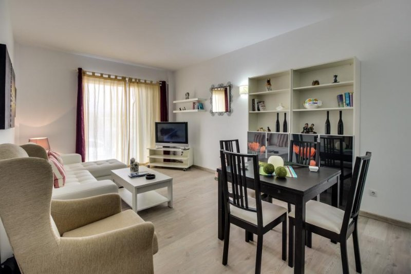 Modern condo near the beach & town with balcony and golf course access - Image 1 - Alcudia - rentals