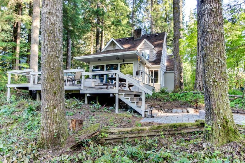 Rustic riverside cottage in the forest w/ large deck, gas grill, and firepit - Image 1 - McKenzie Bridge - rentals