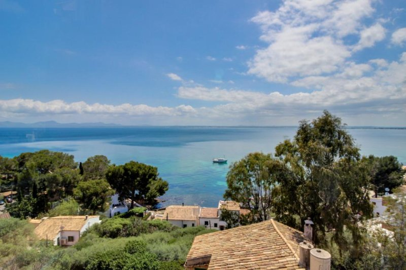 Comfortable condo with sweeping bay & ocean views - walk to beaches! - Image 1 - Alcudia - rentals