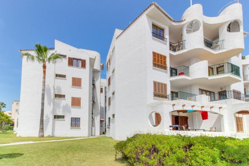 Beachfront condo with shared pool, amazing views, and great location - Image 1 - Alcudia - rentals