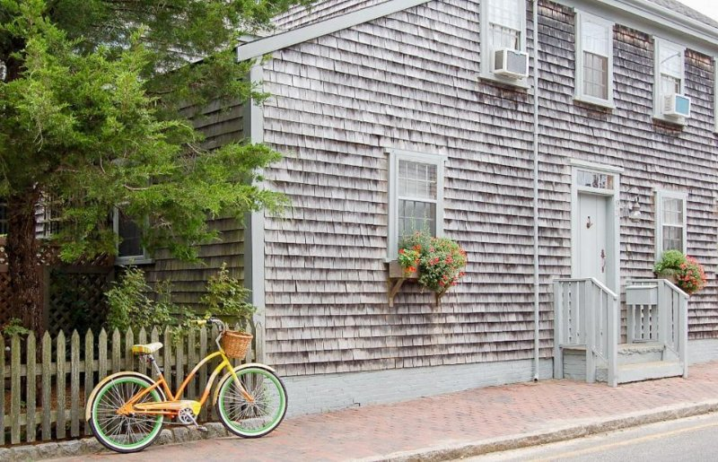 Historic dog-friendly home w/garden patio, shared pool, close to ferry & beaches - Image 1 - Nantucket - rentals