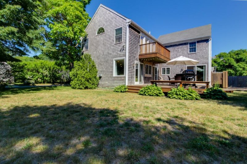 A large deck & yard just steps from downtown, walk to the beach! - Image 1 - Edgartown - rentals