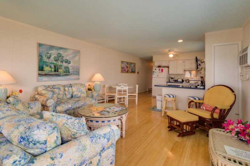 Vibrant seaside home with two balconies - just a short walk to the beach! - Image 1 - Ocean City - rentals