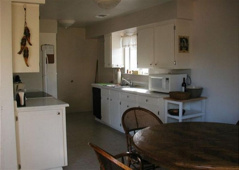 Cozy cabin w/foosball table, close beach access, shared pool - close to Yosemite - Image 1 - Groveland - rentals