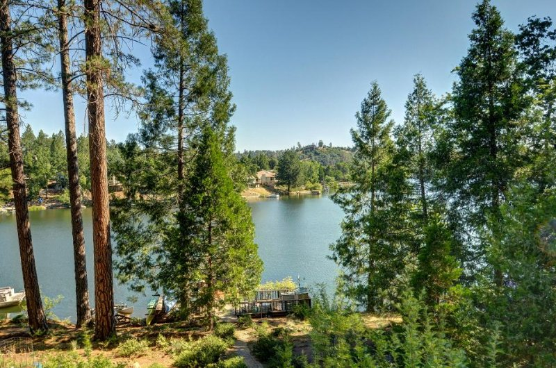 Lakefront home w/ lake views, private dock & shared pool! Yosemite nearby! - Image 1 - Groveland - rentals