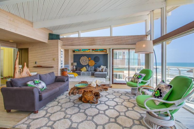 Dog-friendly, oceanfront jewel on the beach w/ fireplace and spectacular view! - Image 1 - Malibu - rentals