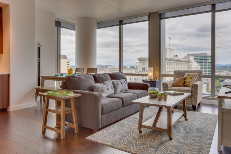 Upscale, dog-friendly downtown condo w/ great views & new furnishings! - Image 1 - Portland - rentals