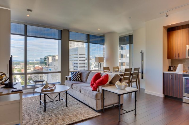 Modern condo w/ downtown views, close to shopping/dining, dog-friendly! - Image 1 - Portland - rentals