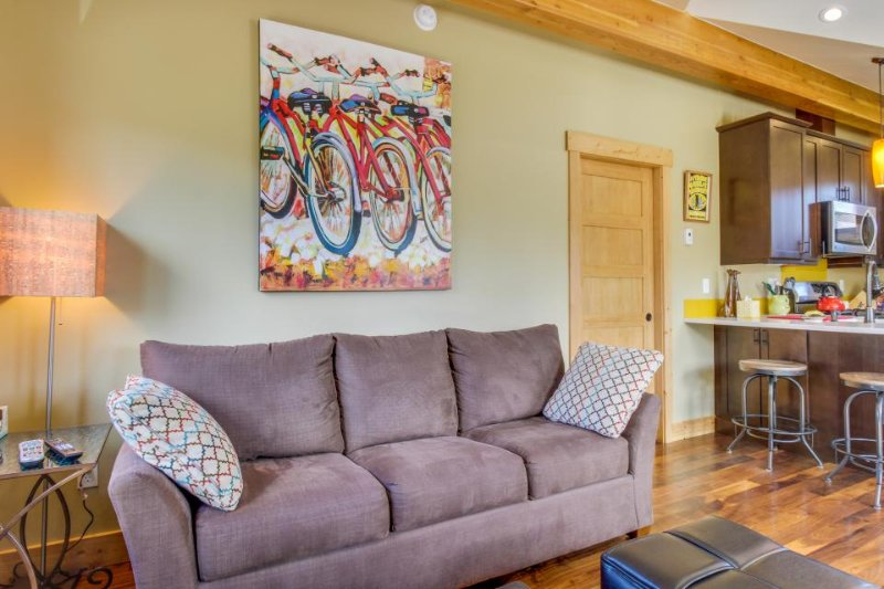 Deluxe dog-friendly condo 2 blocks from historic downtown area! - Image 1 - Durango - rentals