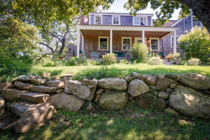 Spacious clapboard home with large yard and outdoor shower - Image 1 - Chilmark - rentals