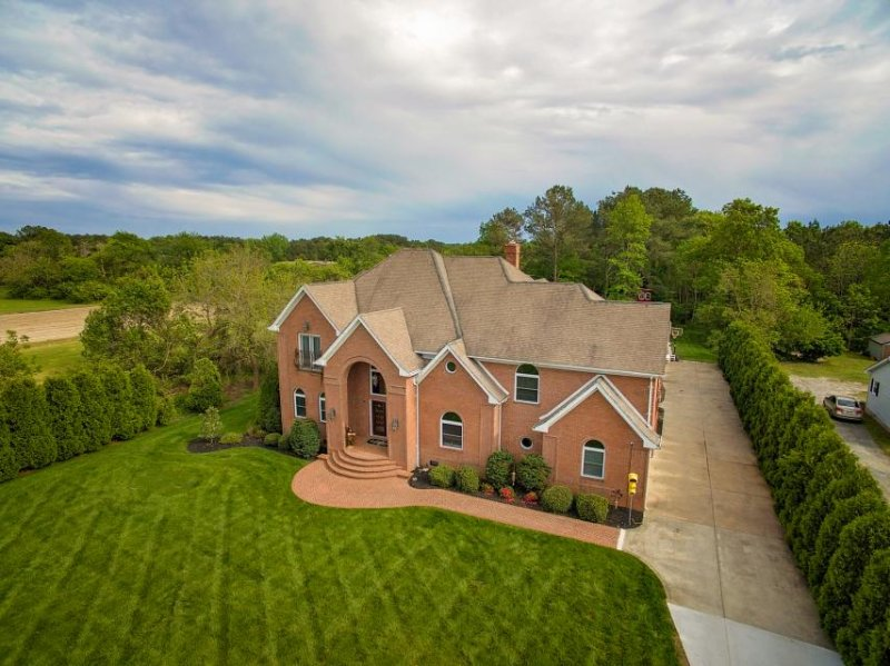 Expansive estate with a pool & hot tub - great for weddings! - Image 1 - Ocean City - rentals