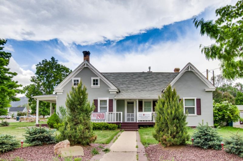 "Dog-friendly, turn-of-the-century home near the ""Mighty 5"" national parks! - Image 1 - Parowan - rentals"