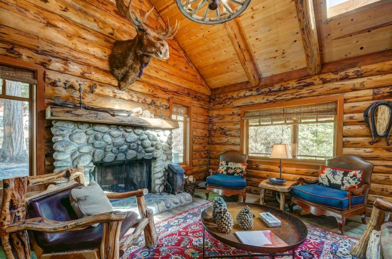 Gorgeous log cabin in the mountains w/ wood fireplace & detached guesthouse - Image 1 - Idyllwild - rentals