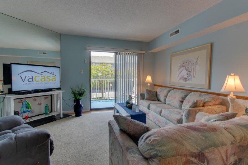 Cozy condo with seasonal pool located just blocks from the beach! - Image 1 - Treasure Island - rentals