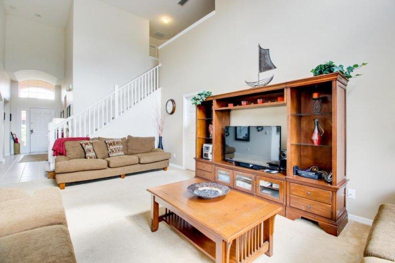 Spacious home near Orlando parks - pool/spa & game room! - Image 1 - Davenport - rentals