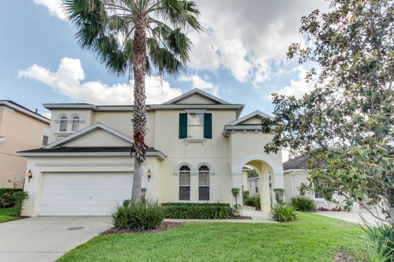 Family-friendly home 16 miles to Disney with private pool & game room! - Image 1 - Davenport - rentals