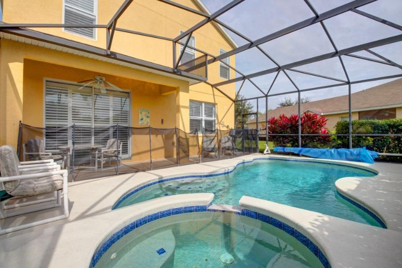 Spacious home w/ large private pool & spa, near Disney - Snowbirds welcome! - Image 1 - Davenport - rentals