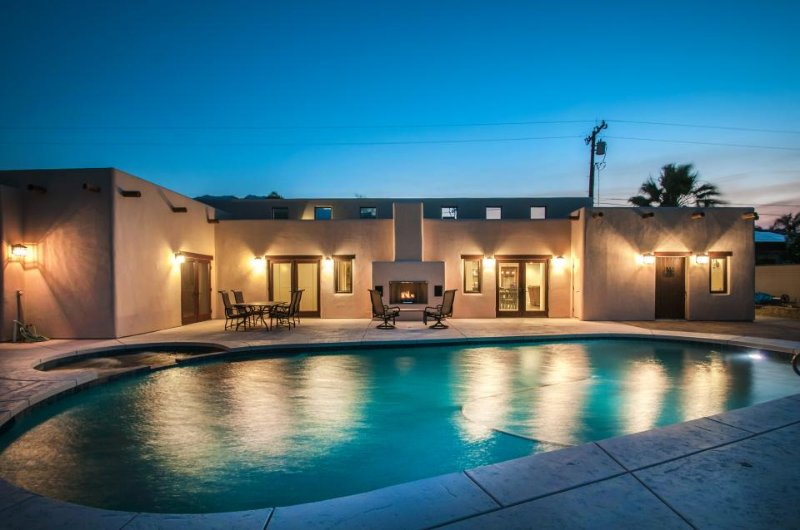 Luxurious desert escape w/ saltwater pool & hot tub - dog OK - Image 1 - Palm Springs - rentals