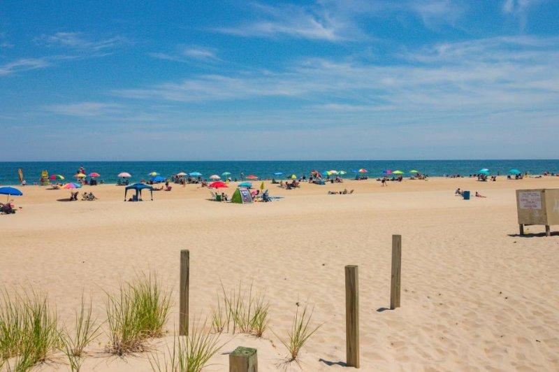 Bright and clean condo near the beach - ocean views & perfect for family fun! - Image 1 - Ocean City - rentals