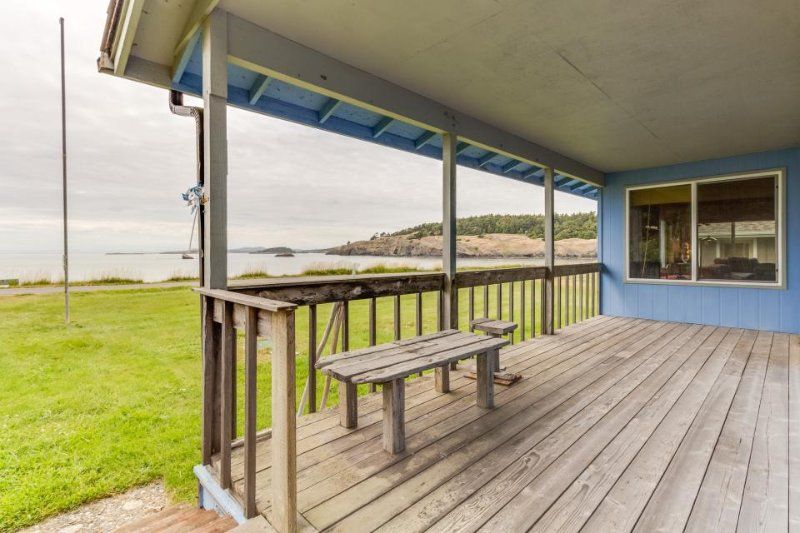 Rustic waterfront beach house with views of the bay & easy beach access! - Image 1 - Lopez Island - rentals