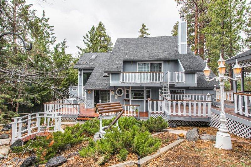 Rustic fairytale house near ski resorts, with pool table & amazing yard w/gazebo - Image 1 - Big Bear Lake - rentals