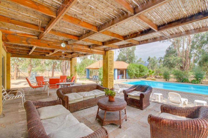 Lovely villa with covered outdoor terraces and private pool! - Image 1 - Zapallar - rentals