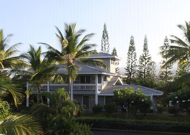 Located 50 yards from the shoreline and 1 minute from a sandy beach! - Beautiful Home in Kona Bay Estates 50 Yards from the Ocean! - Kailua-Kona - rentals