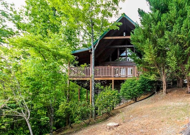 Welcome to Whisper Mountain - Whisper Mountain  Hot Tub Privacy Mountain View Pets WiFi  Free Nights - Gatlinburg - rentals