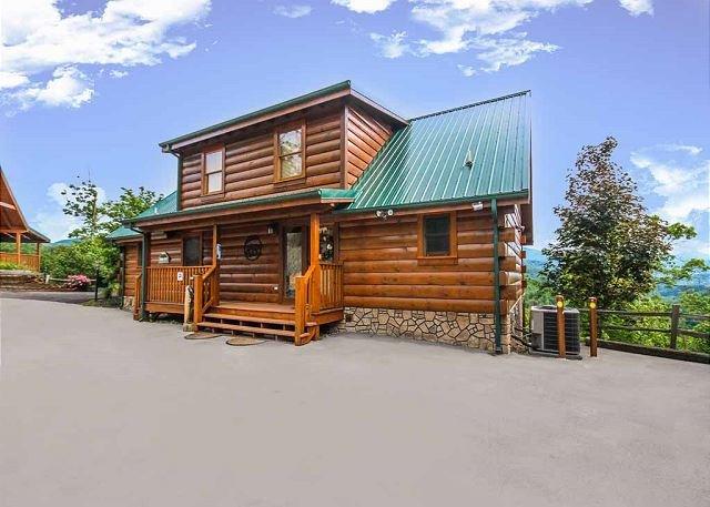The gang's all here - Summit Lodge   Mountain Views Pool Access 2 Arcades WiFi   Free Nights - Gatlinburg - rentals