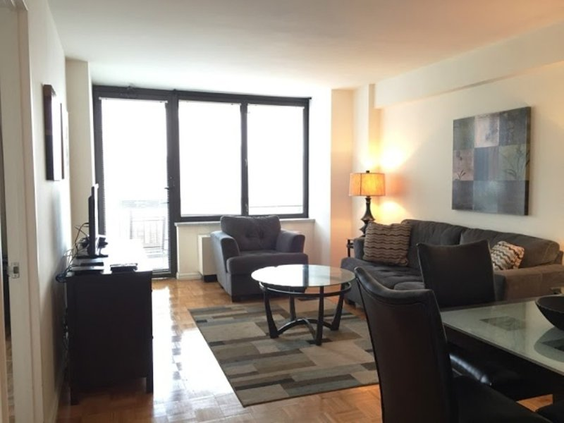 Lovely 1 Bedroom, 1 Bathroom Unit in Midtown West with Fitness Cneter - Image 1 - New York City - rentals