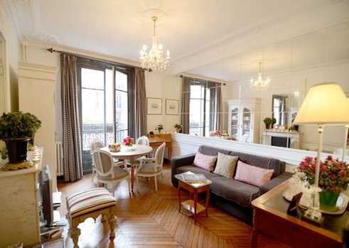 Living room - 2 Bedroom Apartment Close to Eiffel Tower - Paris - rentals