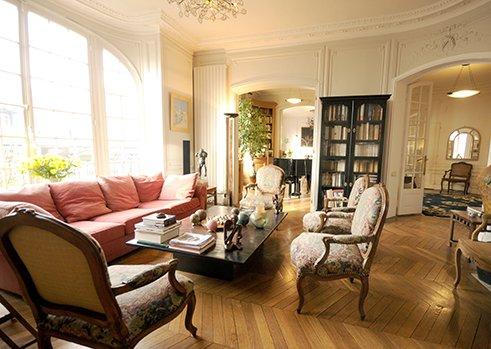 Bright and spacious living room - Luxury 3 Bedroom Apartment w/Piano in Paris - Paris - rentals