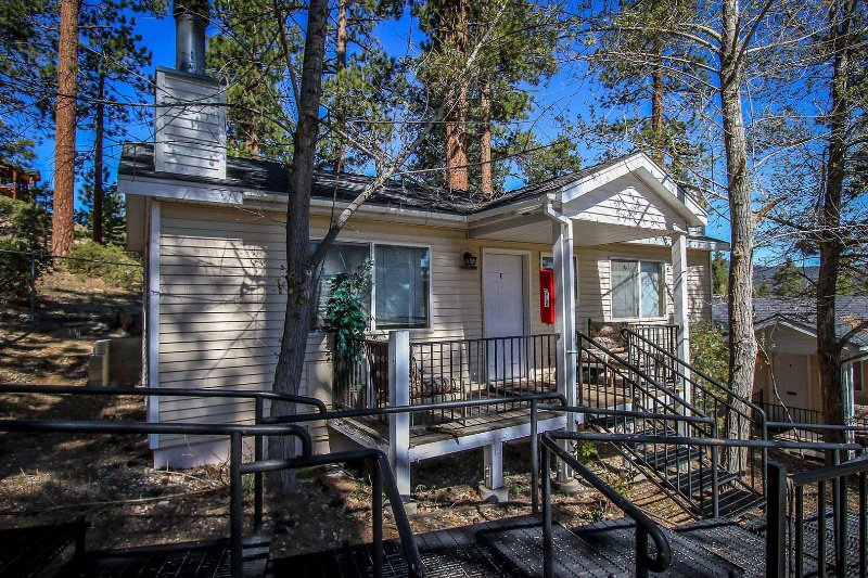 985 E-Lakeview Lodge - 985 E-Lakeview Lodge - Big Bear Lake - rentals