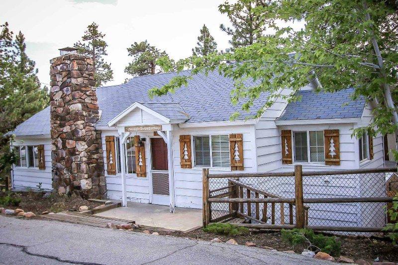 1544-Snuggle Down Cottage - 1544-Snuggle Down Cottage - Big Bear Lake - rentals