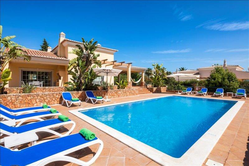 Casa dos Cedros - Delightful  5 bedroom villa close to Carvoeiro with games room and sauna - Image 1 - Lagoa - rentals