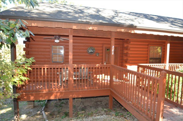 Grand Mountain 2 Bedroom Walk-In Cabin - Image 1 - Branson - rentals