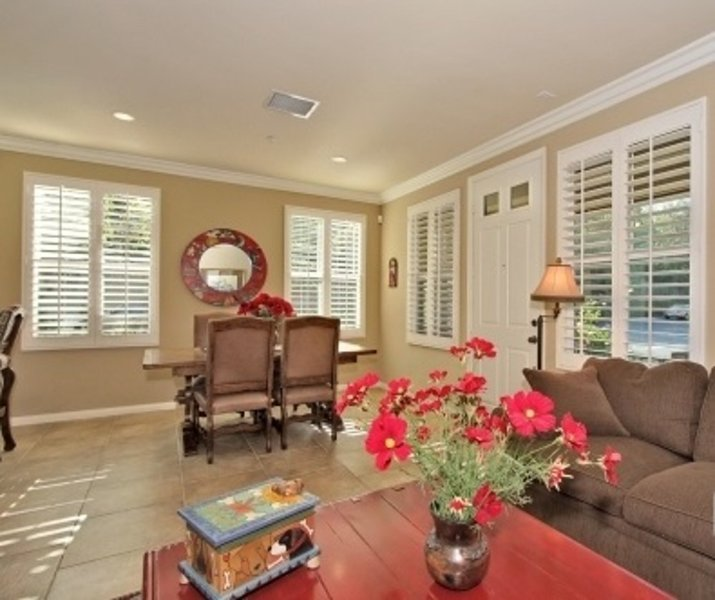 ELEGANT FURNISHED 3 BEDROOM 2.5 BATHROOM  TOWNHOUSE - Image 1 - Irvine - rentals