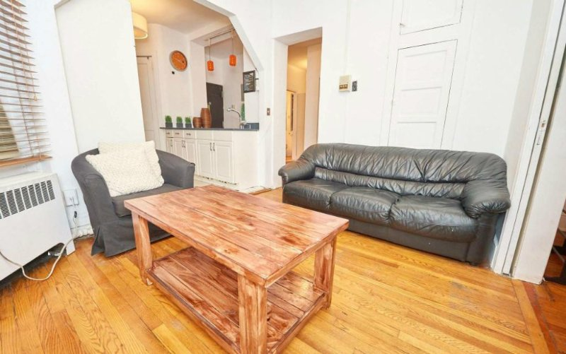 BEAUTIFULLY FURNISHED AND NEWLY RENOVATED 3 BEDROOMS, 1 BATHROOM APARTMENT - Image 1 - Newark - rentals