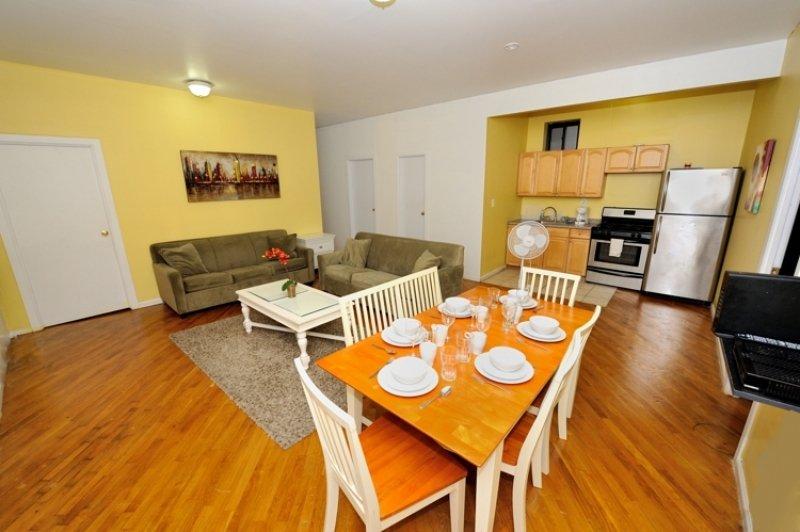 #8711  3 bedroom apartment located in Harlem - Image 1 - Manhattan - rentals