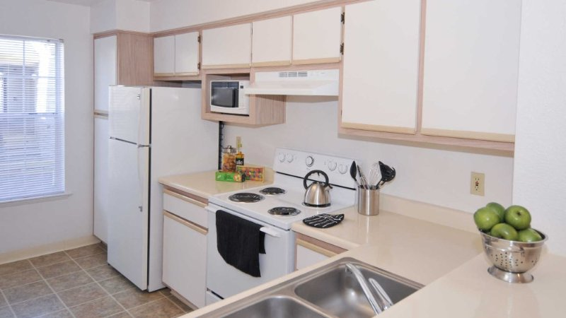 STYLISH FURNISHED 1 BEDROOM, 1 BATHROOM APARTMENT - Image 1 - Milpitas - rentals