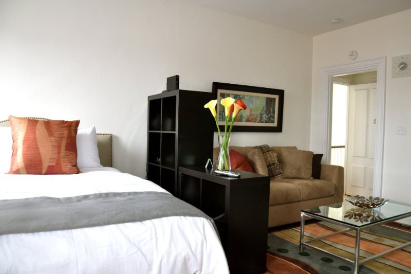 SOPHISTICATED FURNISHED STUDIO APARTMENT - Image 1 - Boston - rentals