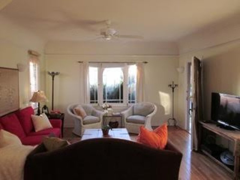 Furnished 1-Bedroom Duplex at N Detroit St & W Willoughby Ave Los Angeles - Image 1 - Hollywood - rentals